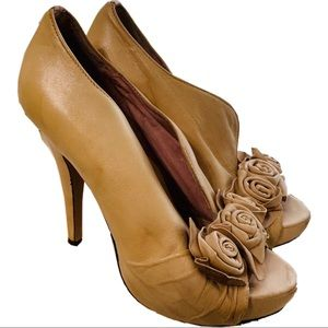 Vince Camuto Leather Beige Rose Heels